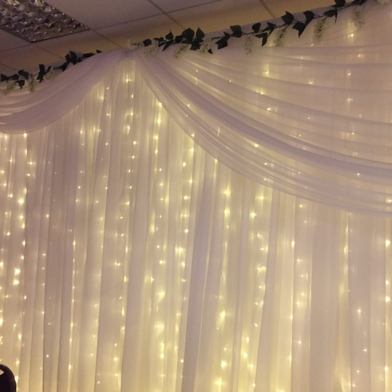 warm whiyte fairylight backdrop
